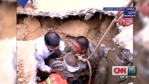 pkg lu stout china earthquake rescue_00001215.jpg