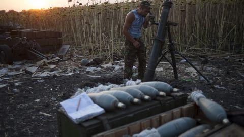 A Ukrainian soldier prepares a mortar at a position near Ilovaisk on August 14.
