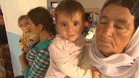 pkg coren iraq yazidi refugees aid_00021920.jpg