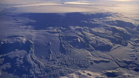 Picture on the Bardabarunga volcano taken by Icelandic Met Office (IMO)'s Oddur Sigurdsson. Bardarbunga is in front and you can see a caldera (rims around it). Grimsvotn, another and active caldera, is in the distance. If there is an eruption there is a risk of flood in Northeast of Iceland - mainly in the river Jokulsa a Fjollum.