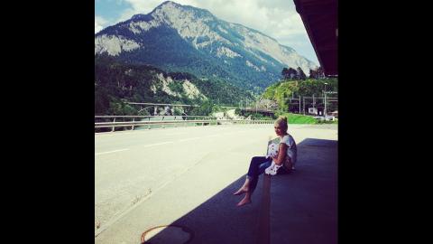 "Singer Gwen Stefani <a href=""http://instagram.com/p/q35El8OLQI/"" target=""_blank"" target=""_blank"">breastfeeds her son</a> Apollo in Switzerland."