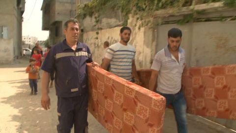 pkg lee gaza displaced residents_00010516.jpg