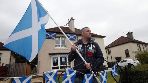 Darren Brander shows his support for Scottish indepdndence as the campaign enters its final days on Monday, September 15, in Glasgow, Scotland.