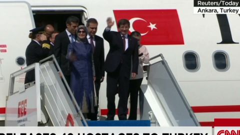 nr cabrera intv isis releases hostages turkey_00000603.jpg