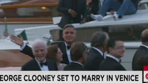 vo clooney arrives wedding_00001025.jpg