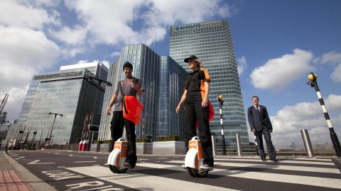 The postal delivery service Whistl is trialing electric unicycles for 100 of its mailmen across the United Kingdom.