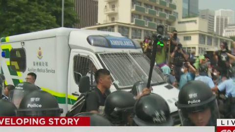 lkl watson hong kong protesters block ambulance_00001521.jpg