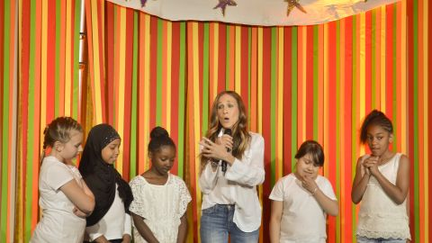 Actress Sarah Jessica Parker co-hosted a fundraiser with Anna Wintour for Obama's fundraiser in 2012.