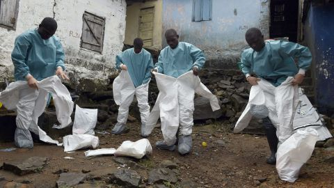 As the Ebola virus spreads and grows into a global threat, there is a lot of talk about how to keep from catching the potentially deadly disease. From full-body suits to improvised face coverings, here's a look at ways health workers protect themselves in some of the hardest hit areas.