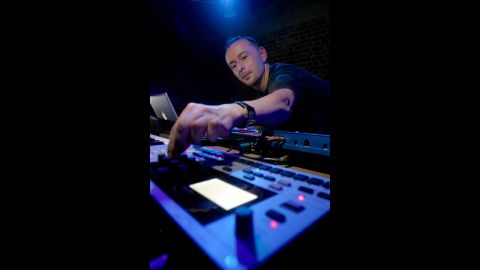 """<a href=""""http://www.cnn.com/2014/10/14/showbiz/mark-bell-lfo-death/index.html"""">Mark Bell</a>, who founded the highly influential techno-music duo LFO and later collaborated with Bjork on several iconic albums, died of complications from a surgery, his record label said October 13."""