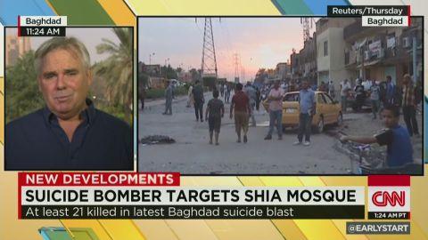 es sot wedeman iraq suicide bombing shiite mosque_00010807.jpg