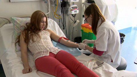 pkg robertson ebola vaccine human trial_00005002.jpg
