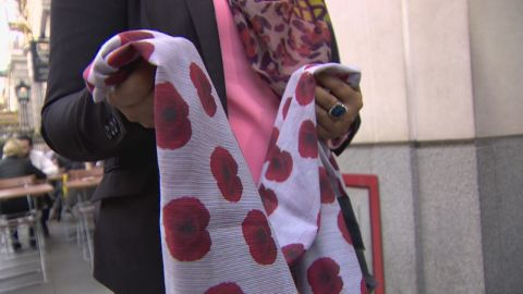 pkg shubert uk poppy hijab_00015124.jpg