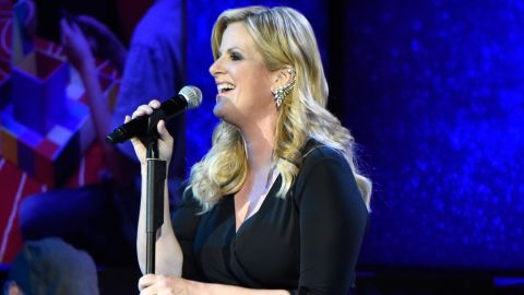 """Trisha Yearwood performs her latest song, """"PrizeFighter."""""""