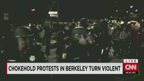 dnt berkeley chokehold protests turn violent_00001008.jpg