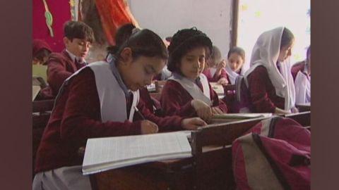 PKG damon 2009 Peshawar school_00023330.jpg