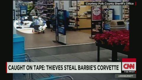 erin moos heart stopping shoplifters _00004120.jpg
