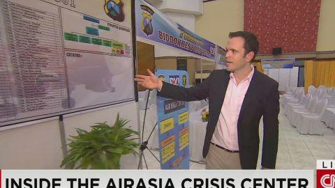 lklv molko inside airasia crisis center_00001911.jpg