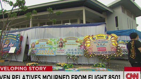 nr pkg tuchman family mourns seven passengers in airasia flight_00015610.jpg