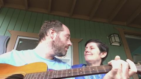 Joe Fraley posted a video on Reddit of him singing to his mother.