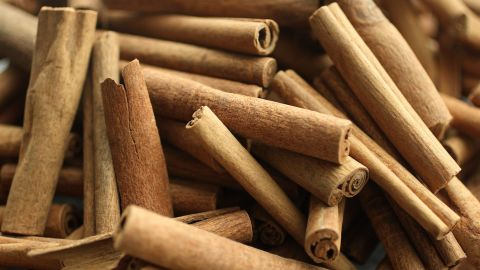 """<a href=""""http://www.ncbi.nlm.nih.gov/pmc/articles/PMC3144156/"""" target=""""_blank"""" target=""""_blank"""">Your favorite spices</a> and flavors like cinnamon, ginger and dark chocolate can <a href=""""http://www.ncbi.nlm.nih.gov/pubmed/23717759"""" target=""""_blank"""" target=""""_blank"""">reduce inflammation</a> and help reverse insulin resistance and other symptoms related to obesity, according to Zinczenko."""