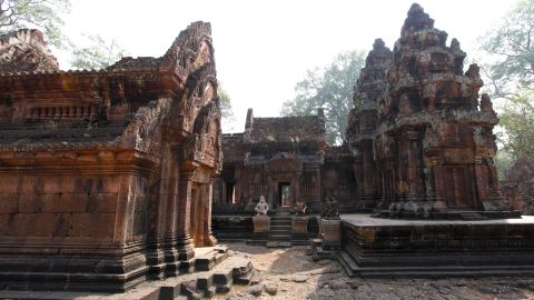 Made of red sandstone, Banteay Srei is one of the oldest surviving temples in the Angkor area. Famous for its intricate and well-preserved carvings, it dates to the 10th century. Archaeologist Dr. Roland Fletcher recommends visiting the Angkor sites in chronological order to get a better understanding of how the Angkor area developed.