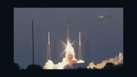 sot spacex rocket launch_00001730.jpg