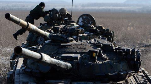 Pro-Russian separatists take position near Uglegorsk, Ukraine, on February 18.