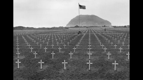 A US Marine cemetery at the foot of Mount Suribachi in 1945.