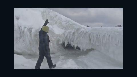 dnt mi lake michigan ice caves_00004110.jpg