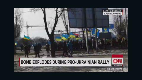 nr pleitgen vo bomb explodes during pro ukrainian rally_00001123.jpg