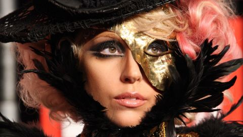 Lady Gaga arrives for the 2009 MTV Video Music Awards.