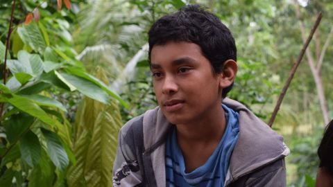 Alexis González, a 16-year-old Honduran, lost his right leg when he fell off a cargo train in Mexico while trying to migrate to the United States.
