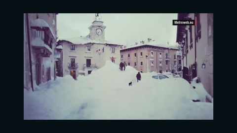 orig italy record snow fall mclaughlin_00004515.jpg