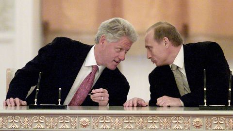 Putin and US President Bill Clinton talk in Moscow in June 2000.