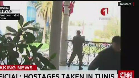 nr tunisia museum shooting hostages_00032402.jpg