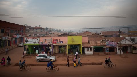 There are more than 1,000 private healthcare clinics in Kampala, which are the first port of call for more than 50% of the population. But until now, they had limited skills and resources to diagnose TB.