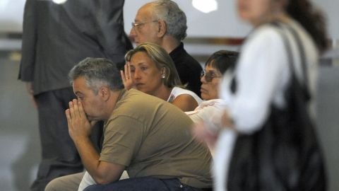 Relatives of victims arrive in Madrid after the Barajas airport crash on August 20, 2008.