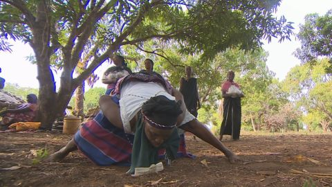 Mdundo dancers wear uniforms, and mainly use their shoulders and waist.