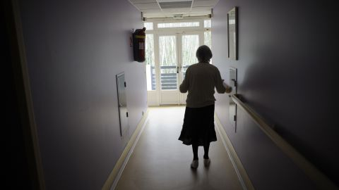 An estimated 47 million people globally have Alzheimer's disease, and that number is projected to triple by 2050. There is no cure or real treatment, but studies show and according to the Alzheimer's Association, there are some things you can do to keep memory loss at bay: exercise, education, not smoking, reducing the impact of chronic conditions such as diabetes, getting adequate sleep, staying socially engaged, learning new things, taking care of your mental health and eating a healthy diet. One effort in particular, diet, is getting some renewed interest from scientists.