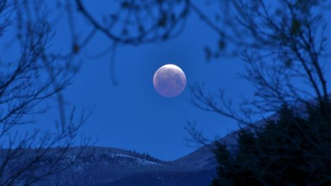 """<a href=""""http://ireport.cnn.com/docs/DOC-1230771"""">Shannon Chase</a> rose early on Saturday to photograph the total lunar eclipse from her home in Carbondale, Colorado."""