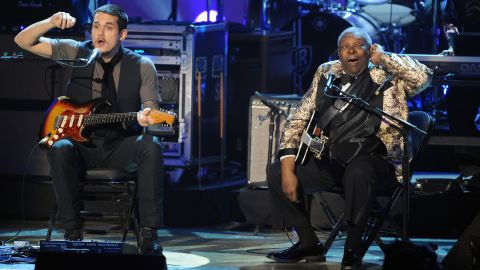 John Mayer and King perform during the 2008 Grammy Nominations concert.