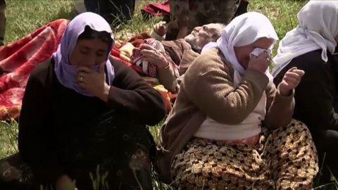 lok damon iraq isis yazidi captives released_00003419.jpg