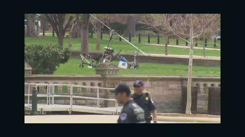 nr bpr jones gyrocopter lands near capitol _00000224.jpg