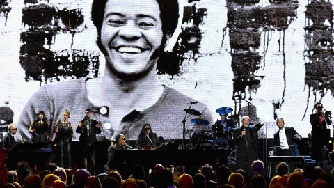 CLEVELAND, OH - APRIL 18:  Stevie Wonder, Bill Withers, and John Legend perform onstage during the 30th Annual Rock And Roll Hall Of Fame Induction Ceremony at Public Hall on April 18, 2015 in Cleveland, Ohio.  (Photo by Mike Coppola/Getty Images)