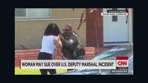 nr sot lah us deputy marshal smashes cell phone_00002925.jpg