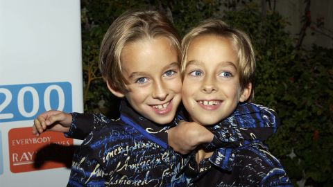 """<a href=""""http://www.cnn.com/2015/04/23/entertainment/everybody-loves-raymond-sawyer-sweeten-suicide/index.html"""">Sawyer Sweeten</a>, left, grew up before millions as a child star on the family sitcom """"Everybody Loves Raymond."""" Early on April 23, he committed suicide, his sister Madylin Sweeten said in a statement. He was 19. Sawyer was a year and a half old when he started on """"Raymond,"""" playing alongside his real-life twin brother, Sullivan, at right."""