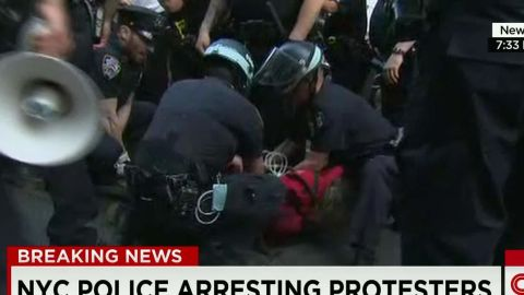 erin live field nyc protesters arrested freddie gray _00012011.jpg