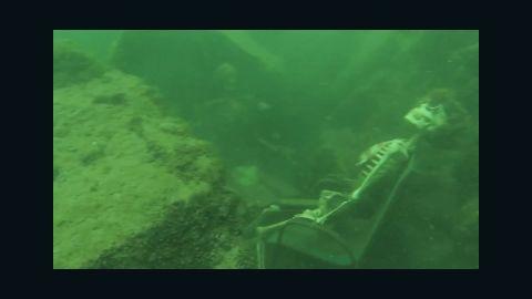 von fake skeleton underwater tea party _00005629.jpg