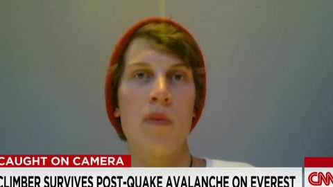 Climber Survives Post-Quake Avalanche on Everest_00043927.jpg